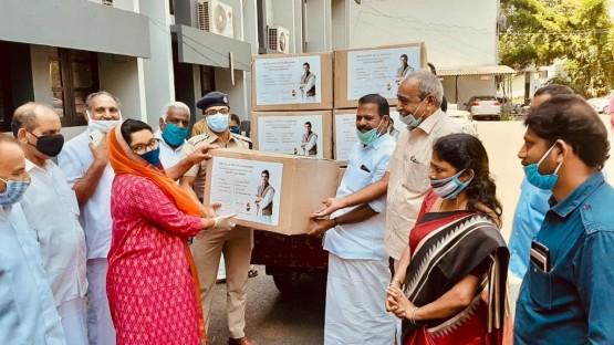 ഇന്ത്യൻ ഓവർസീസ് കോൺഗ്രസ്സ്  (IOC) ബഹ്റൈൻ കമ്മിറ്റി രാഹുൽ ഗാന്ധിയുടെ മണ്ഡലമായ വയനാട് 500 pp കിറ്റുകൾ  വിതരണം ചെയ്തു